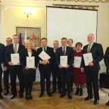 Uroczyste podpisanie partnerskiej umowy pomiędzy samorządami i instytucjami powiatów: węgrowskiego, wyszkowskiego i wołomińskiego